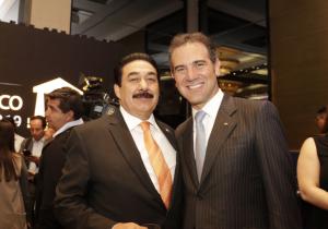 Córdova Vianello es galardonado por contribuir al perfeccionamiento de la democracia.