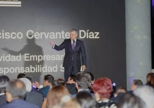 Francisco Cervantes Díaz, destacado por Actividad Empresarial con Responsabilidad Social
